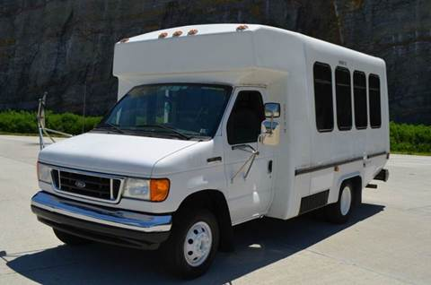 2006 Ford E350 14 Passenger Shuttle Bus