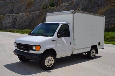 2005 Ford E350 10ft Box Truck
