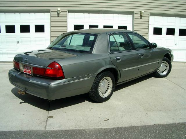 2001 Mercury Grand Marquis LS Premium 4dr Sedan - Iron River MI