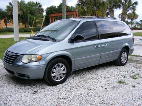 2005 Chrysler Town and Country for sale in Port St Lucie, FL