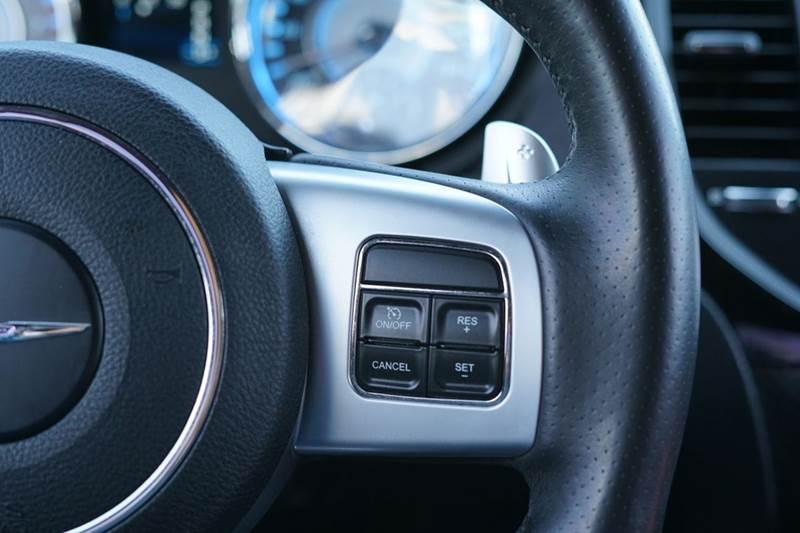 2012 Chrysler 300 SRT8 4dr Sedan - Roseville CA