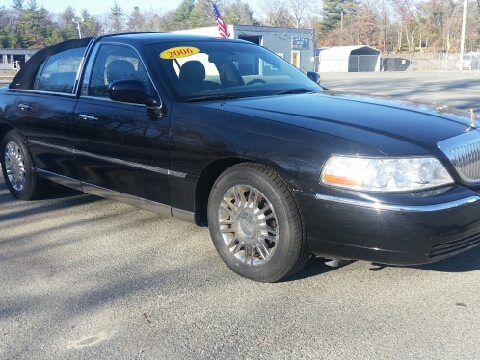 2006 Lincoln Town Car for sale in Foxboro, MA
