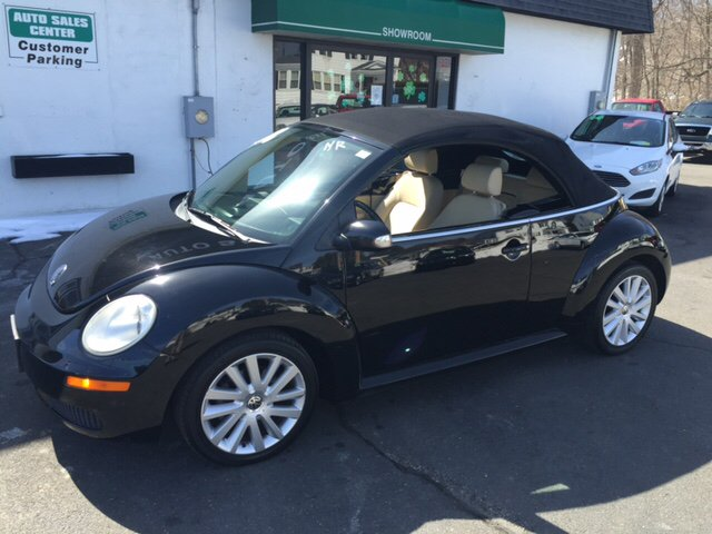 2008 Volkswagen New Beetle SE 2dr Convertible 6A - Holyoke MA