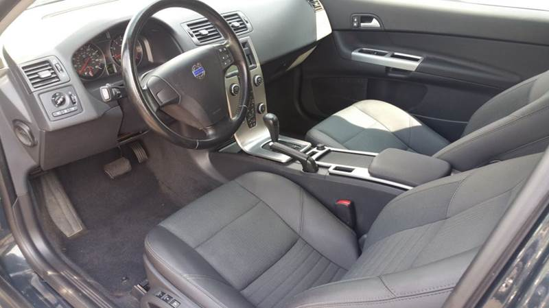 2009 Volvo C30 T5 2dr Hatchback - Holyoke MA