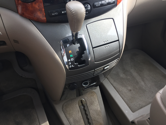 2007 Toyota Sienna XLE 7-Passenger 4dr Mini-Van - Holyoke MA