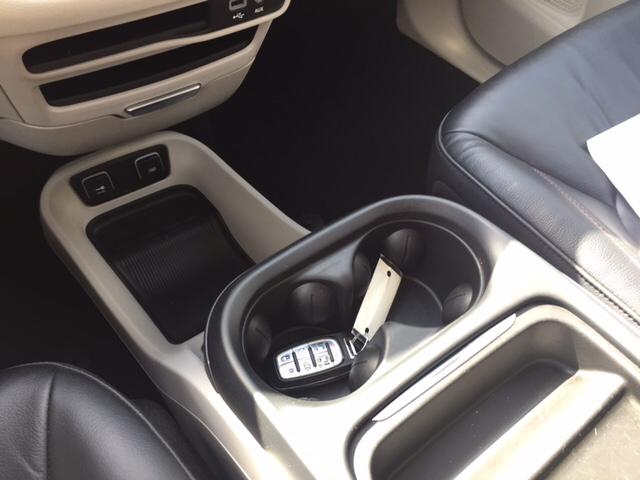 2017 Chrysler Pacifica Touring-L 4dr Mini Van - Holyoke MA