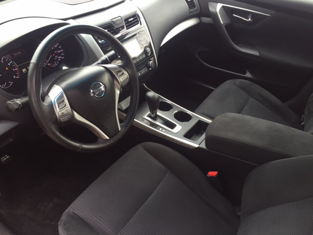 2015 Nissan Altima 2.5 SV 4dr Sedan - Holyoke MA