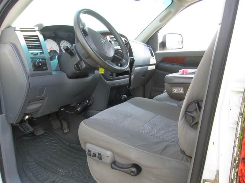 2006 Dodge Ram Pickup 2500 SLT 4dr Quad Cab 4WD LB - Pacific MO
