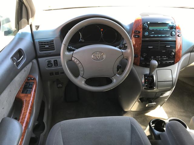 2006 Toyota Sienna XLE 7 Passenger 4dr Mini Van - Linn MO