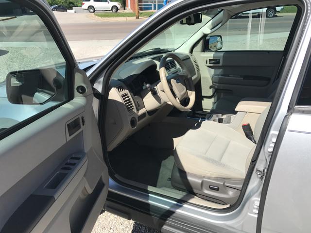 2010 Ford Escape XLT 4dr SUV - Linn MO