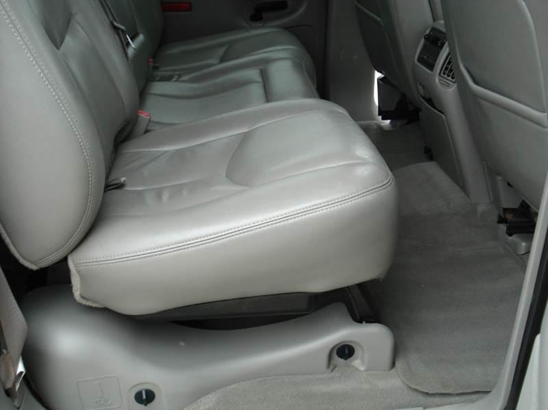 2006 Chevrolet Avalanche LT 1500 4dr Crew Cab 4WD SB - Hutchinson KS