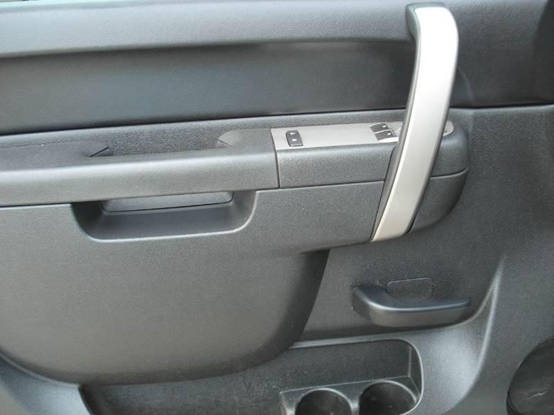 2011 Chevrolet Silverado 3500HD 4x4 LT 2dr Regular Cab LB SRW - Hutchinson KS