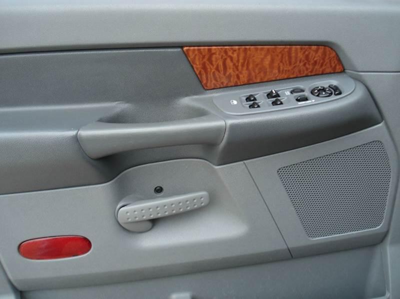 2006 Dodge Ram Pickup 1500 SLT 4dr Quad Cab 4WD SB - Hutchinson KS