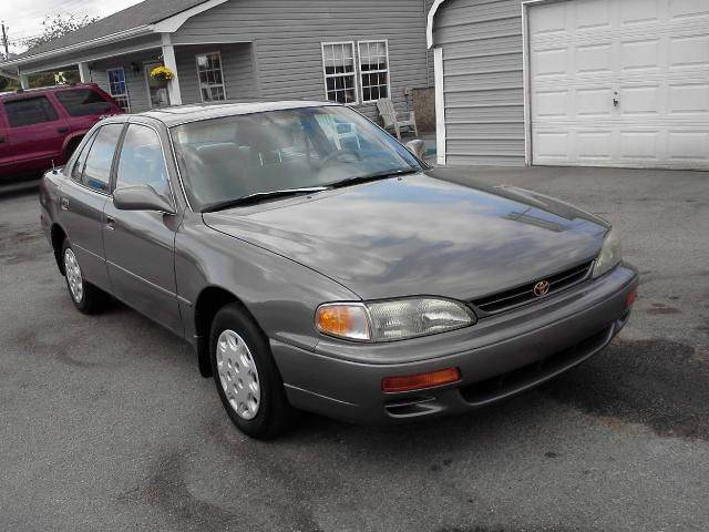 1996 Toyota Camry for sale in Lenoir City TN