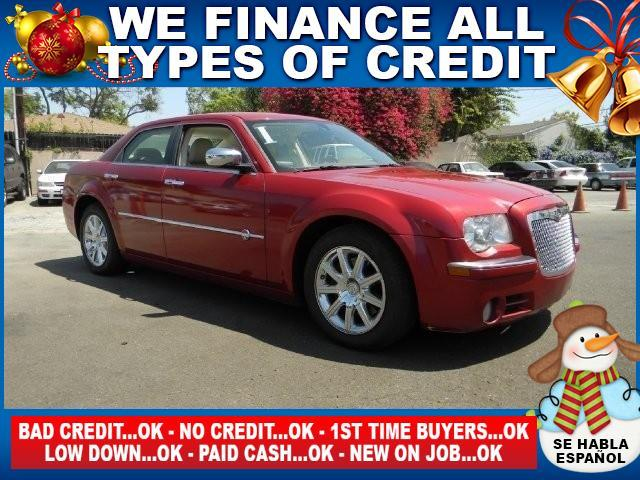 2008 CHRYSLER 300 C HEMI 4DR SEDAN red limited warranty included to assure your worry-free purcha