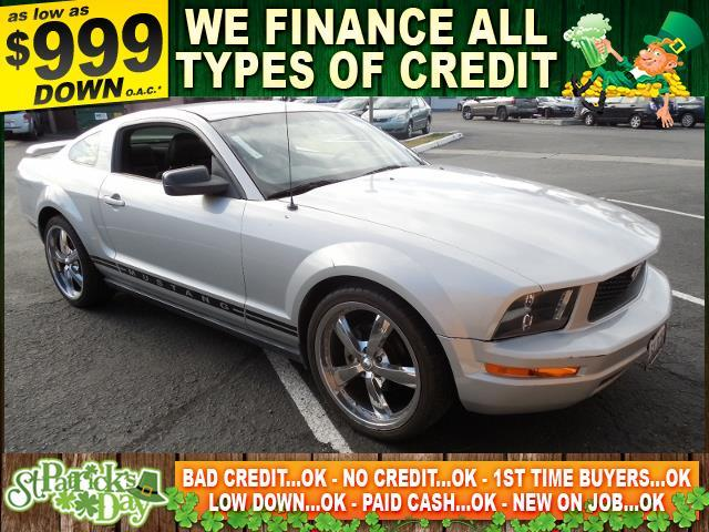 2005 FORD MUSTANG silver limited warranty included to assure your worry-free purchase autocheck