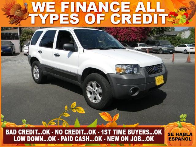 2006 FORD ESCAPE white plimited warranty included to assure your worry-free purchase autocheck r