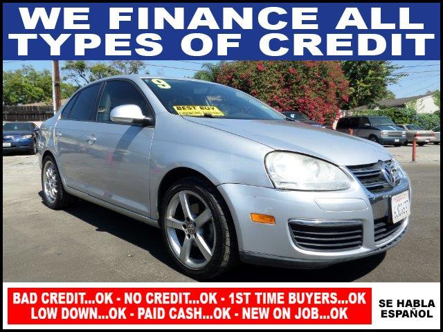 2009 VOLKSWAGEN JETTA S PZEV 4DR SEDAN 6A silver plimited warranty included to assure your worry-