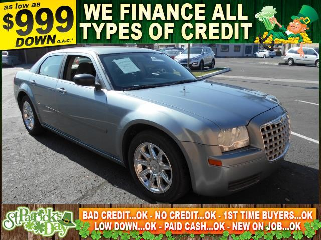 2006 CHRYSLER 300 BASE 4DR SEDAN gray limited warranty included to assure your worry-free purchas