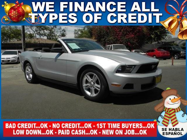 2010 FORD MUSTANG V6 2DR CONVERTIBLE silver limited warranty included to assure your worry-free pu