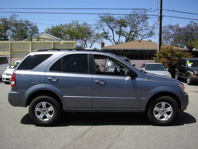 2005 KIA SORENTO LX 4DR SUV gray limited warranty included to assure your worry-free purchase au