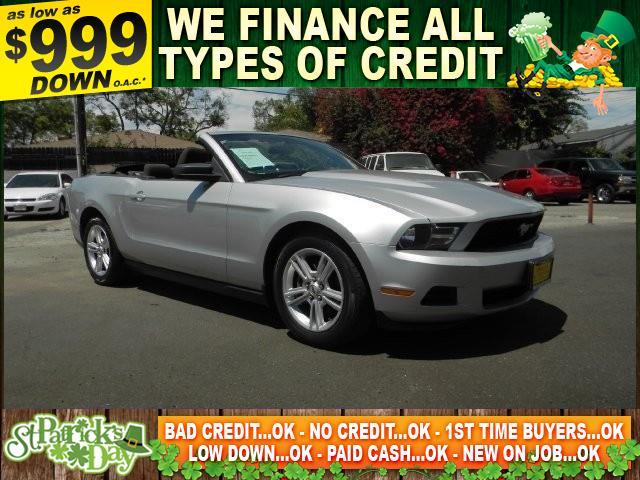 2010 FORD MUSTANG V6 2DR CONVERTIBLE silver limited warranty included to assure your worry-free p