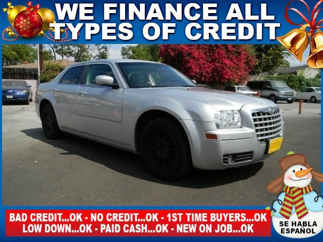 2009 CHRYSLER 300 TOURING 4DR SEDAN silver limited warranty included to assure your worry-free pu