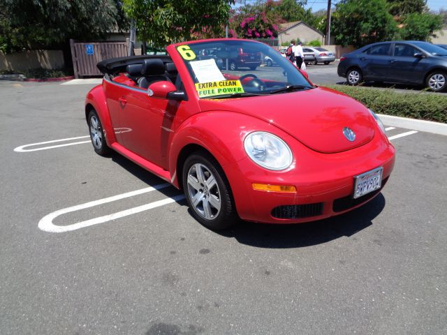 2006 VOLKSWAGEN NEW BEETLE 25 PZEV 2DR CONVERTIBLE 25L I red amfmcd playeranti-theftaccru