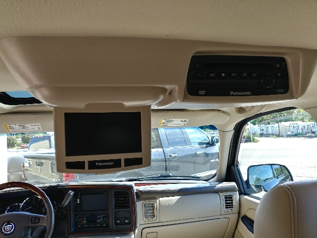 2005 Cadillac Escalade ESV Platinum Edition AWD 4dr SUV - Garden City ID