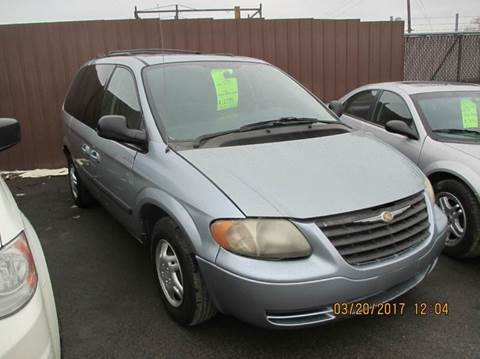 2006 Chrysler Town and Country for sale in Brownstown, MI
