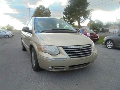 2005 Chrysler Town and Country for sale in Strasburg, VA