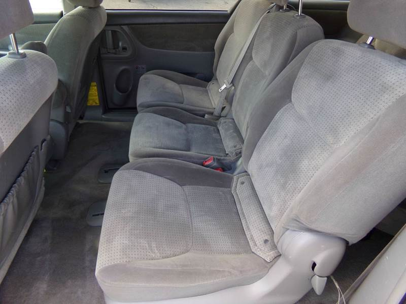 2008 Toyota Sienna LE - Oconomowoc WI