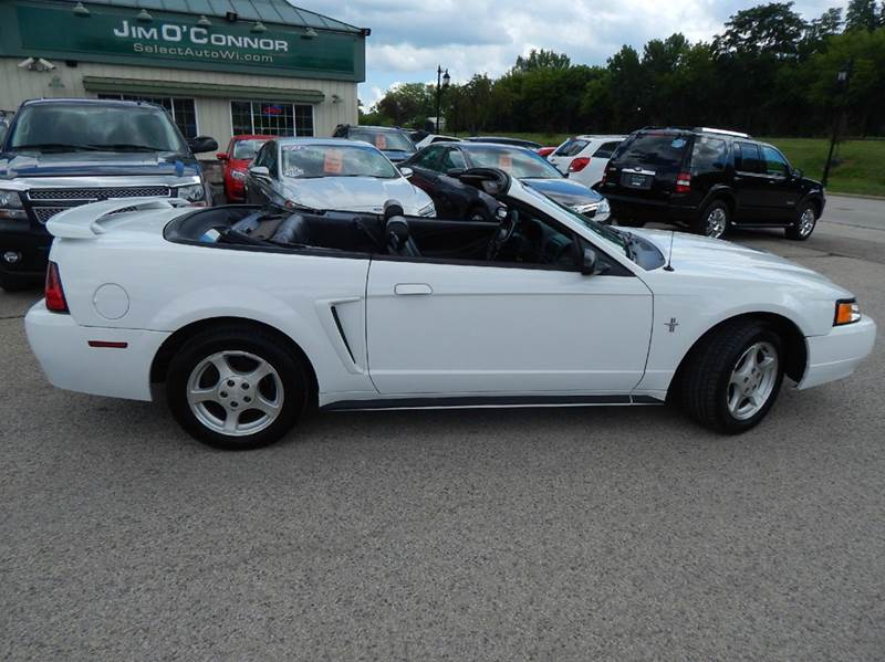 2003 Ford Mustang Deluxe 2dr Convertible - Oconomowoc WI