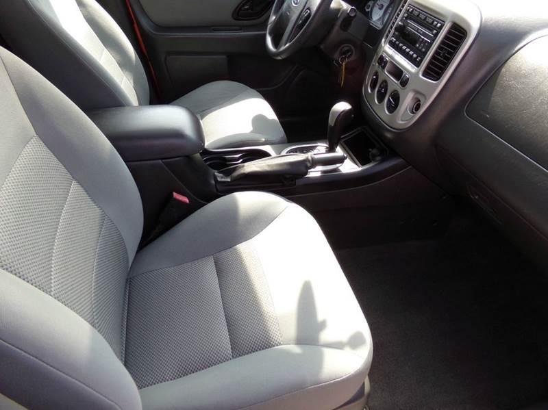 2007 Ford Escape XLT AWD 4dr SUV V6 - Oconomowoc WI