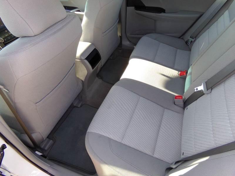 2016 Toyota Camry LE 4dr Sedan - Oconomowoc WI