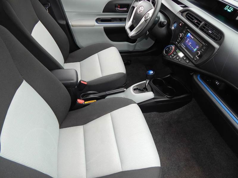 2013 Toyota Prius c Three 4dr Hatchback - Oconomowoc WI