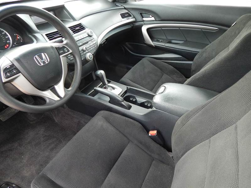 2010 Honda Accord EX 2dr Coupe 5A - Oconomowoc WI