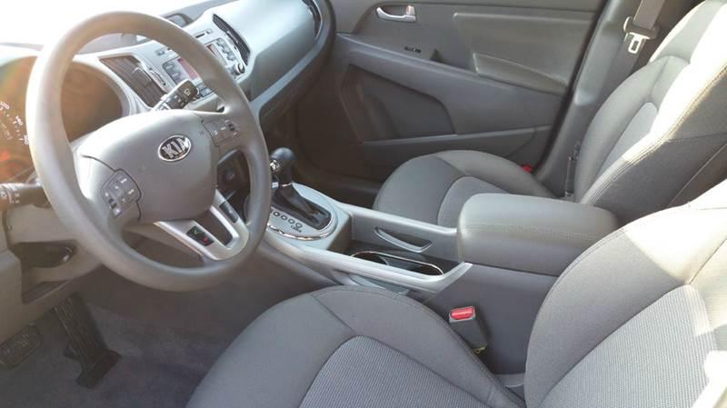 2016 Kia Sportage LX 4dr SUV - Oconomowoc WI