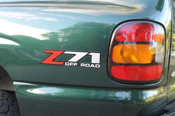 2004 Chevrolet Silverado 1500 2dr Standard Cab Z71 4WD SB - Methuen MA