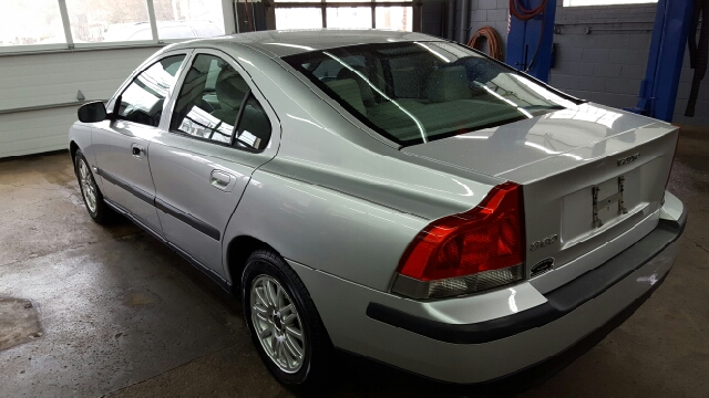 2004 Volvo S60 2.4 4dr Sedan - Norwood MA