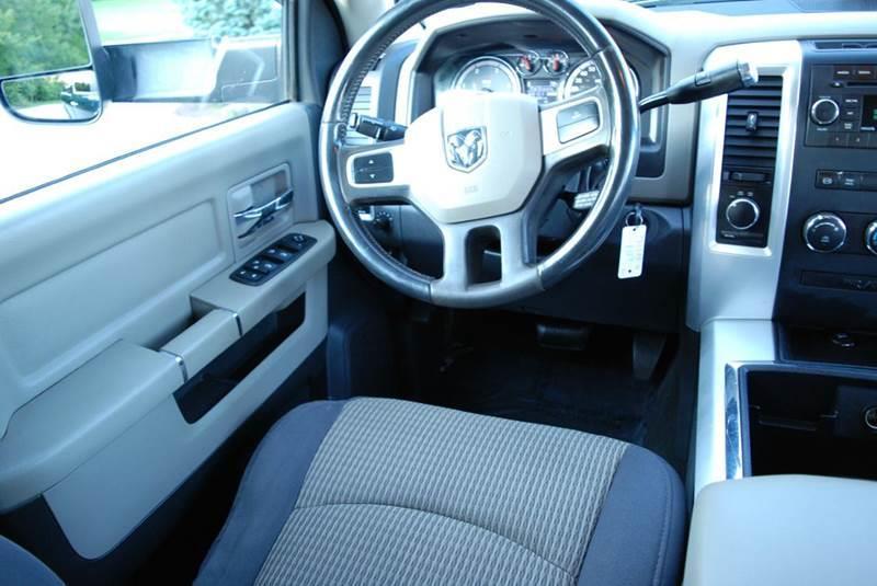 2011 RAM Ram Pickup 3500 Outdoorsman 4x4 4dr Crew Cab 8 ft. LB Pickup - Harrisonburg VA