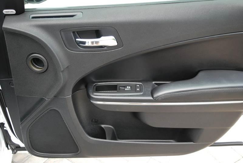 2011 Dodge Charger SE 4dr Sedan - Harrisonburg VA