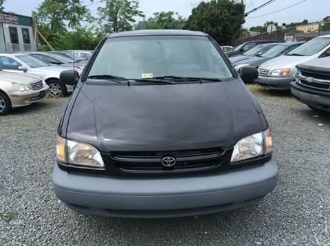 2000 Toyota Sienna for sale in Alexandria, VA