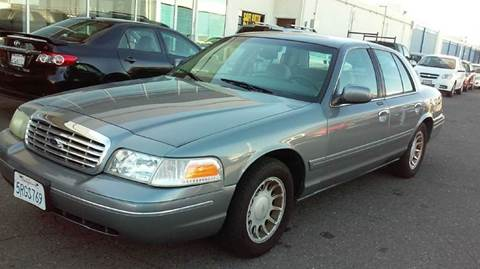 2000 Ford Crown Victoria for sale in Sacramento, CA