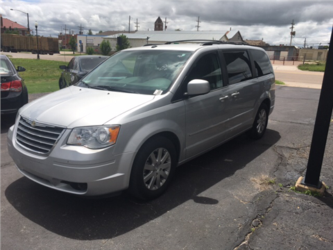 2010 Chrysler Town and Country for sale in Lyons, KS