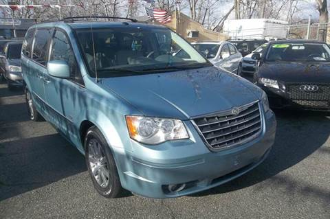 2009 Chrysler Town and Country for sale in Passaic, NJ