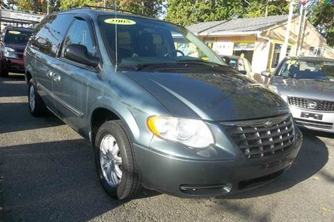 2005 Chrysler Town and Country for sale in Passaic, NJ