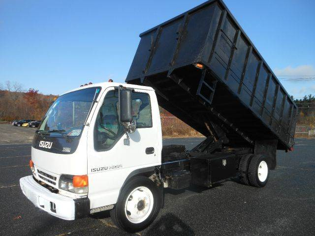 2002 Isuzu NQR for sale in West Boylston MA