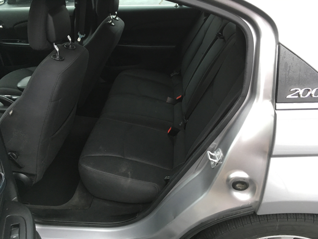 2014 Chrysler 200 Touring 4dr Sedan - Southaven MS