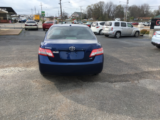 2011 Toyota Camry LE 4dr Sedan 6A - Southaven MS